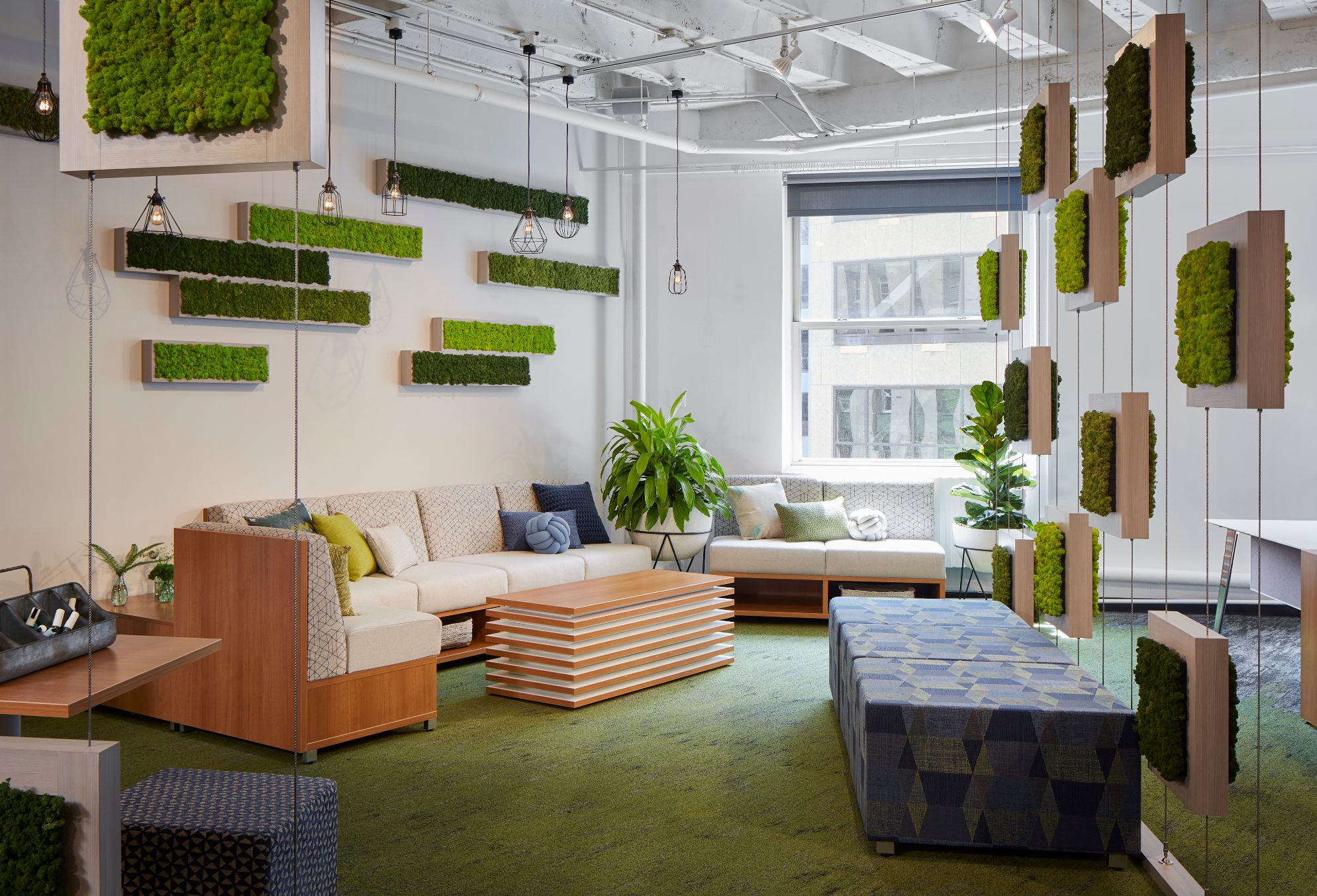 chicago-showroom-at-neocon-2018-with-lb-lounge-seating.-volker-seating-cube-also-shown-in-foreground_md