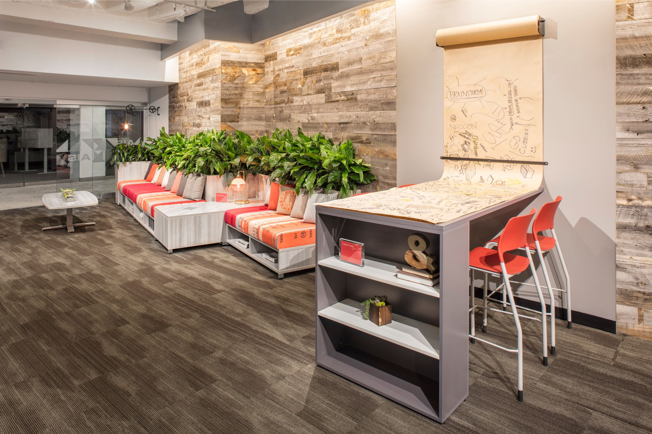 lb-lounge-with-custom-table-neocon-17_md