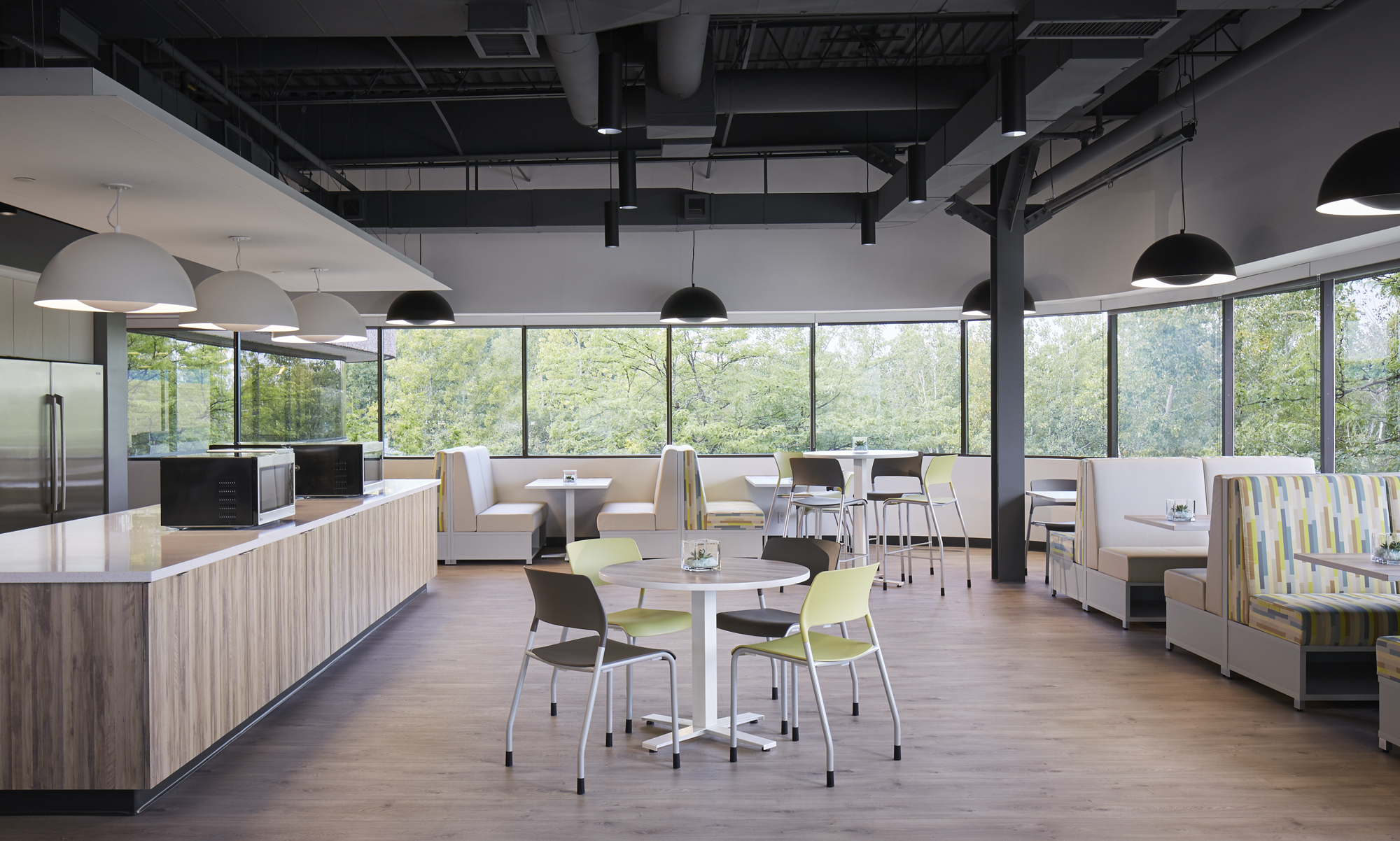 pierce-seating-ais-hq-cafe_md